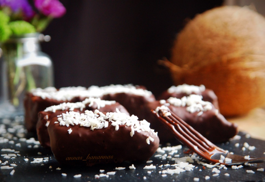 Raw Vegan Bounty Bars