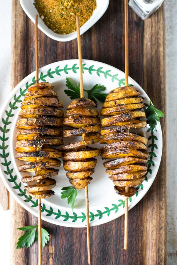 Baked 'Tornado' Potatoes with herbs and spices | via @annabanana.co