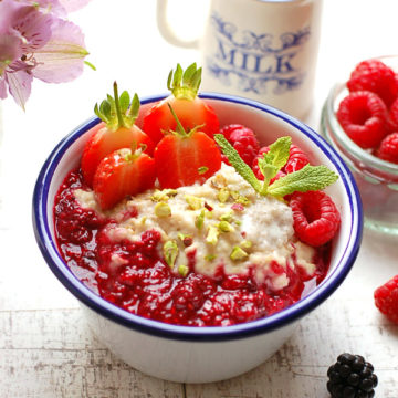 Cardamom Porridge with Berry Compote