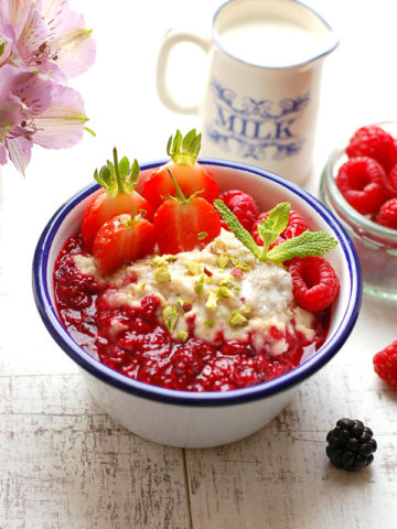Cardamom Porridge with Berry Compote