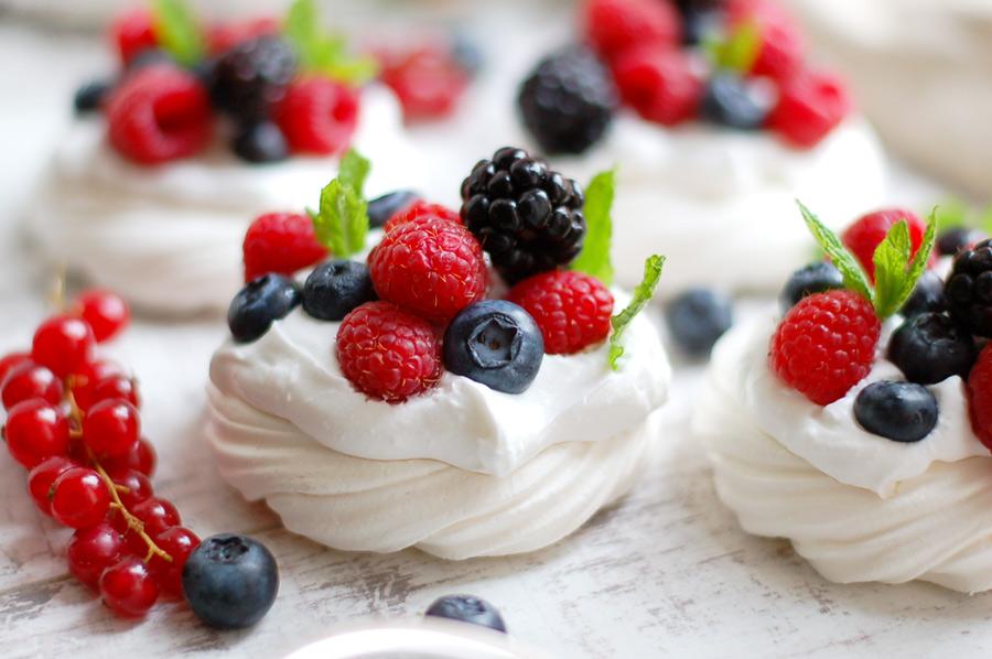 Vegan Berry Pavlovas made with aquafaba