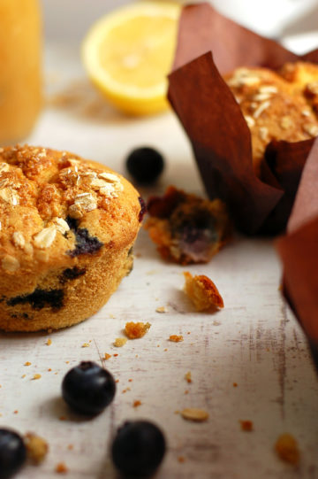 Blueberry-Muffins-with-Apple-Sauce