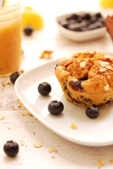 Blueberry-Oats-Muffins with Apple Sauce