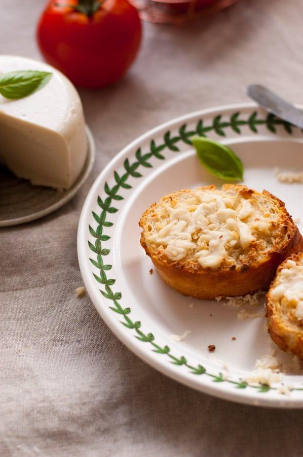 Vegan mozzarella cheese! Delicious, non- dairy alternative for all the cheese lovers. Super yummy and easy to follow recipe!   https://annabanana.co/