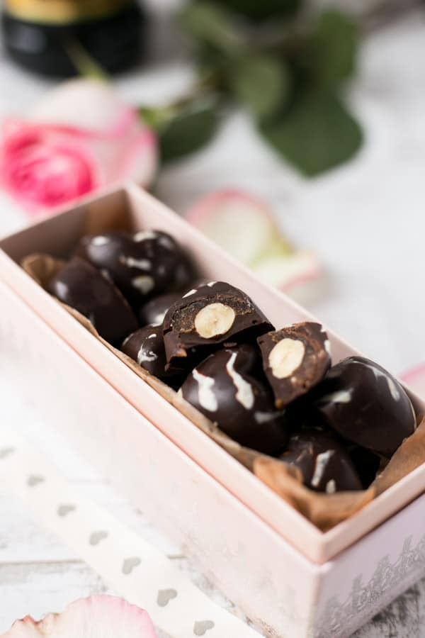Caramel Mocha Chocolates | via @annabanana.co