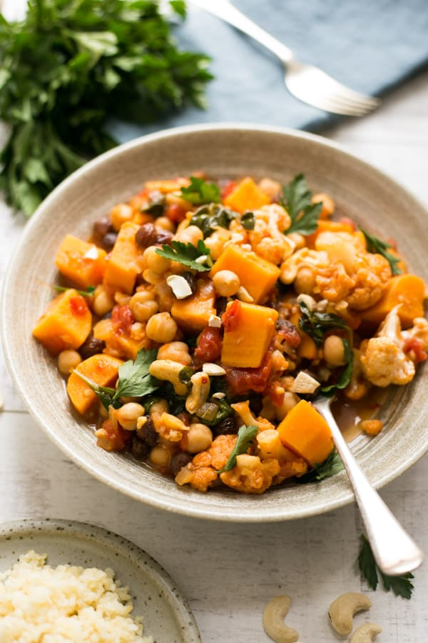 Sweet potato and chickpea curry served with protein rich, cooked bulgur wheat | via @annabanana.co