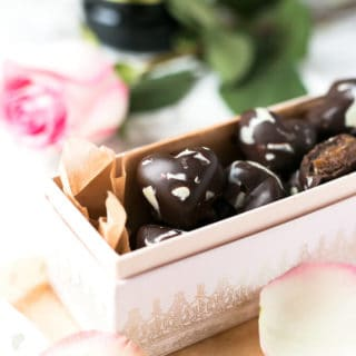 Caramel Mocha Chocolates | via @annabanana.co