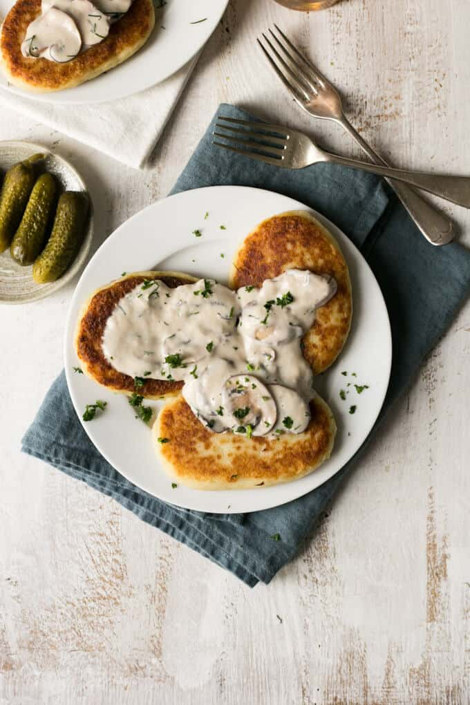 Potato cutlets with creamy mushroom and dill sauce | via @annabanana.co