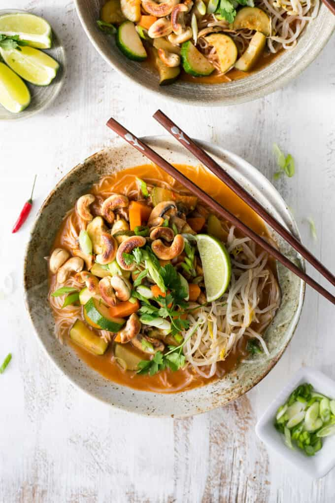 Super easy and quick recipe for Thai red curry noodles! | via @annabanana.co