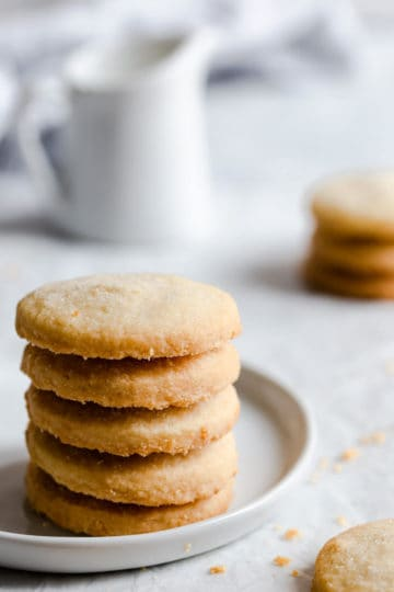 side close up of easy shortbread cookies on a plate
