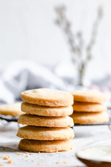 side view of a stack of cookies