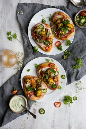 Naan bread pizza with roasted cauliflower and chillies   via @annabanana.co