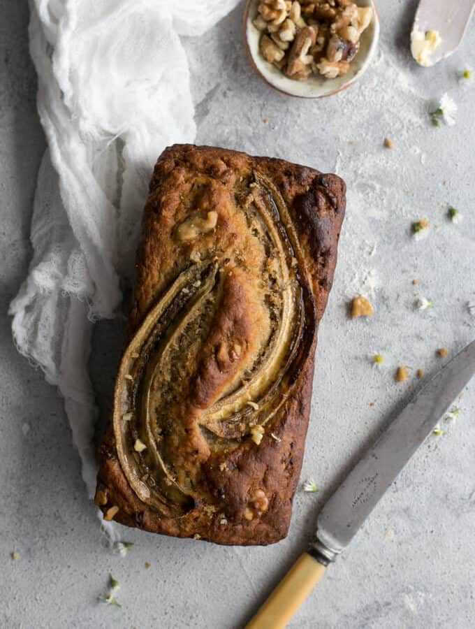Rustic style banana bread with yoghurt and pecans | via @annabanana.co