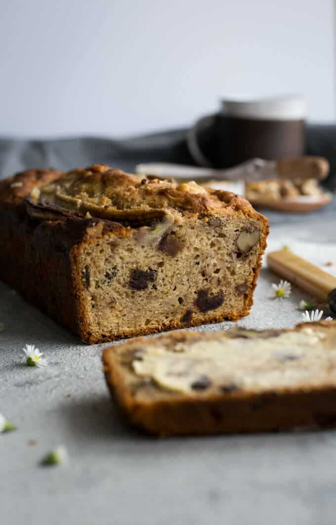 Banana bread with dates, walnuts and yogurt | via @annabanana.co