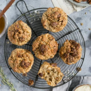 Easy recipe for delicious breakfast muffins with pecans | via @annabanana.co