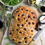 Rosemary focaccia with red grapes, sea salt and olive oil | via @annabanana.co
