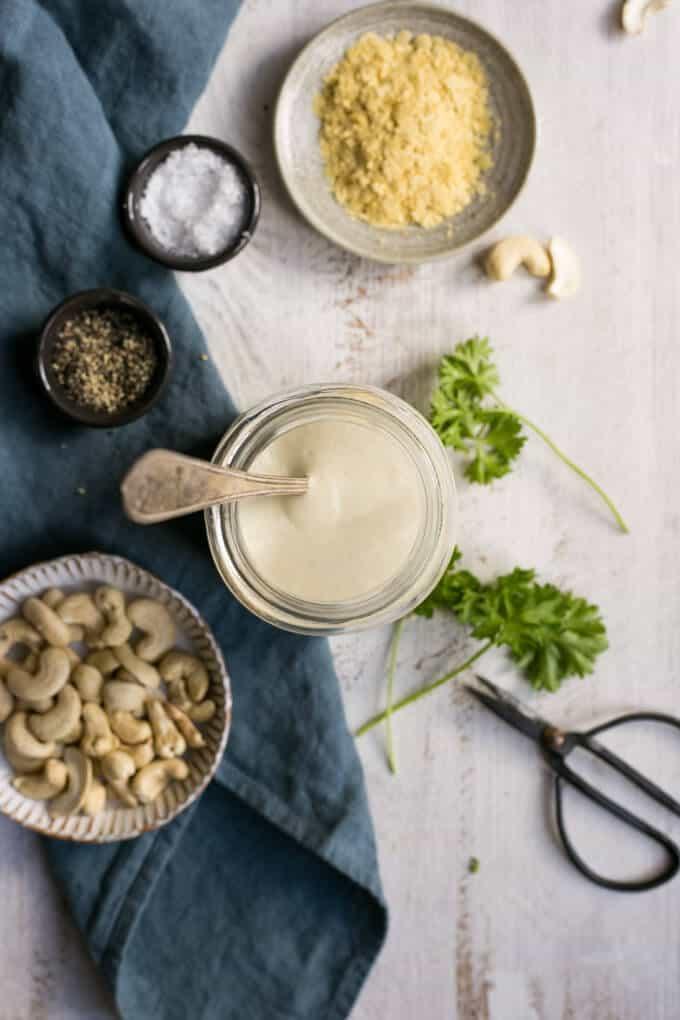 Vegan spaghetti carbonara wirh cashew sauce | via @annabanana.co