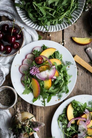 Peach and rocket salad with dill   via @annabanana.co