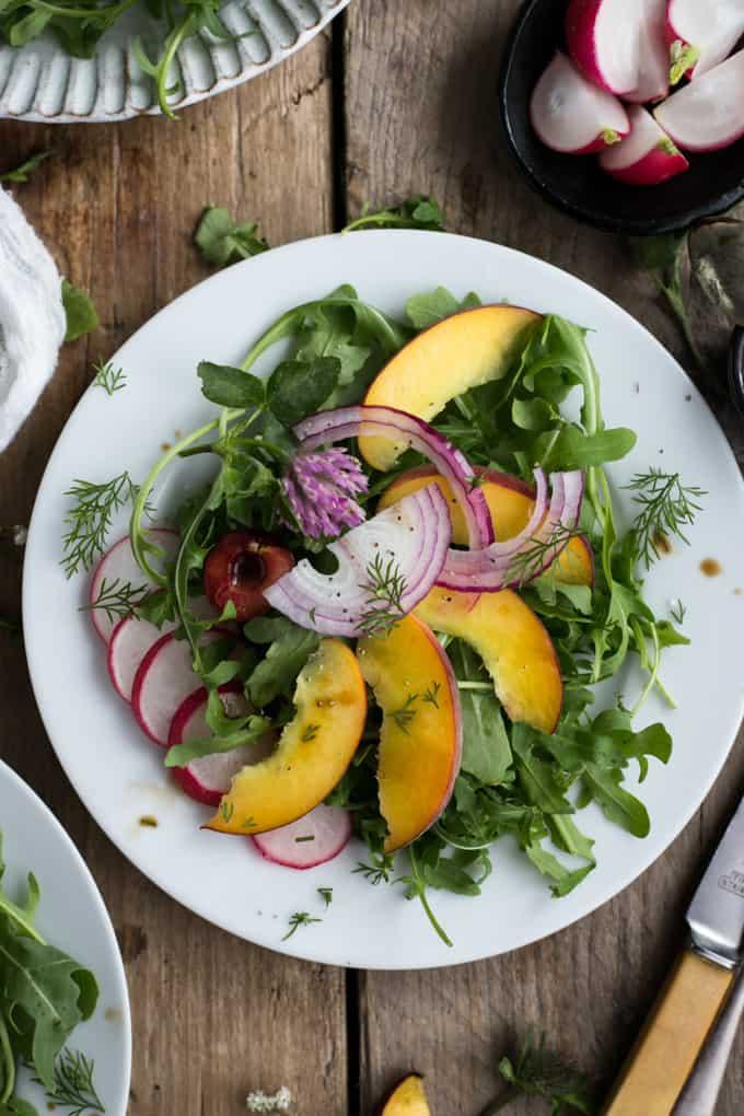Summer Peach And Rocket Salad With Fresh Dill Via Atannabanana Co
