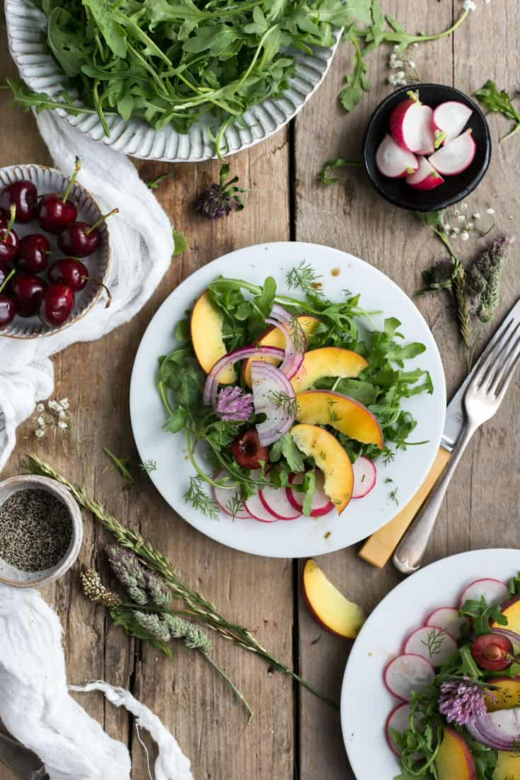 Beautiful summer peach salad with fresh dill and balsamic dressing | via@ annabanana.co