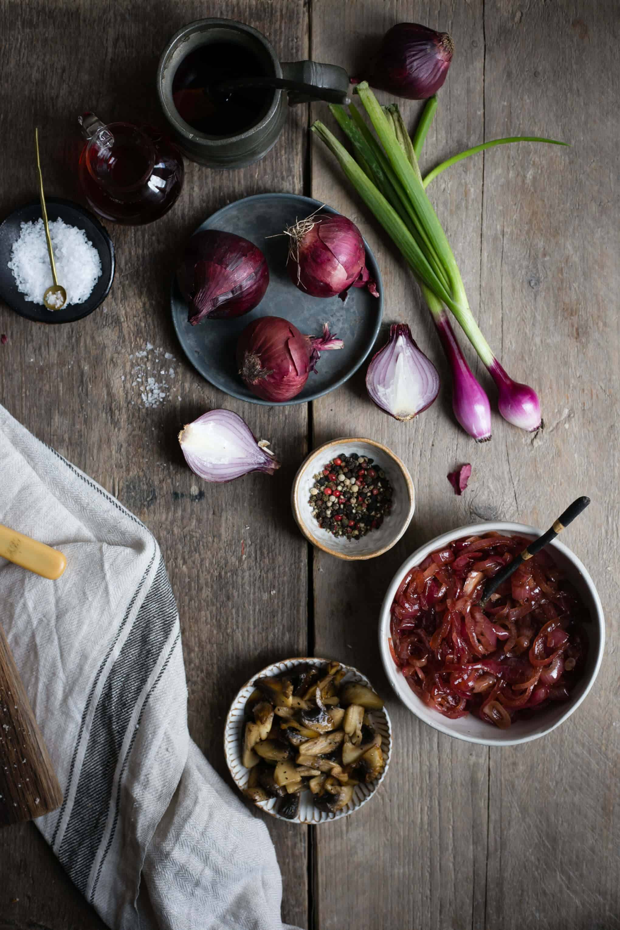 Easy red onion jam recipe | via @annabanana.co