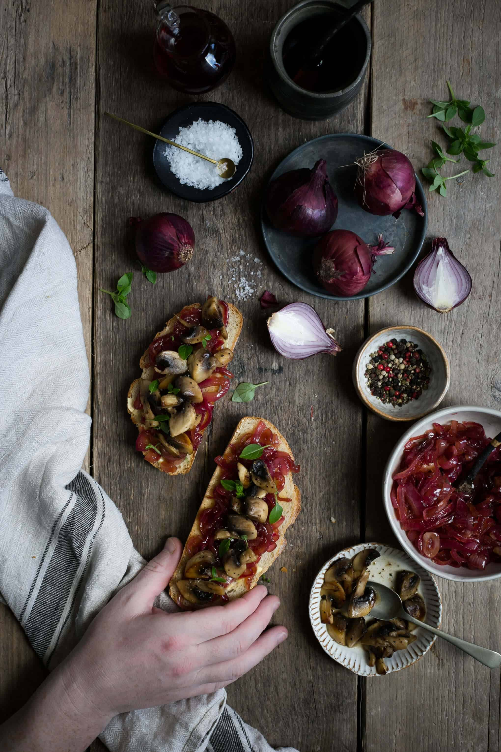 Red onion jam with mushrooms on toast | via @annabanana.co