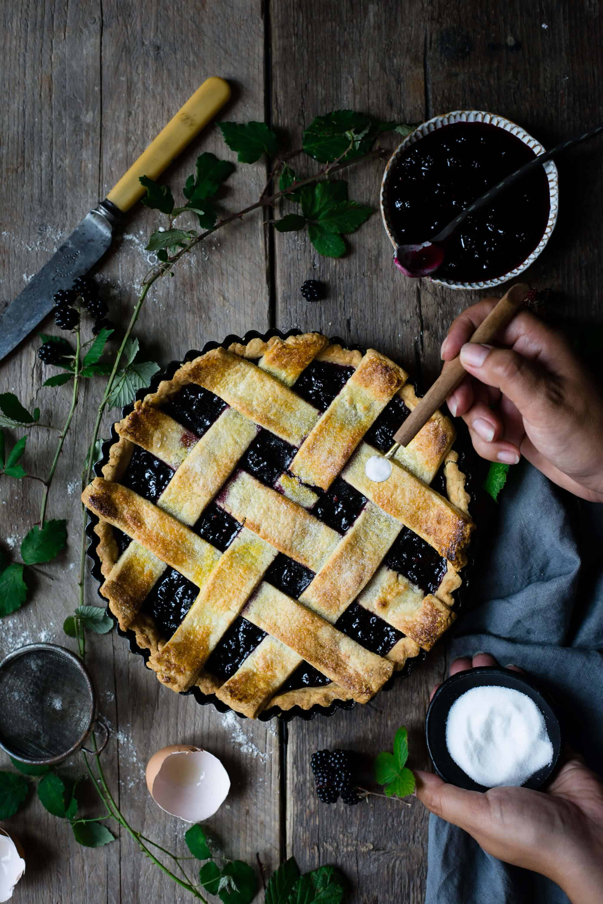 Blackberry jam tart with lattice topping | via @annabanana.co
