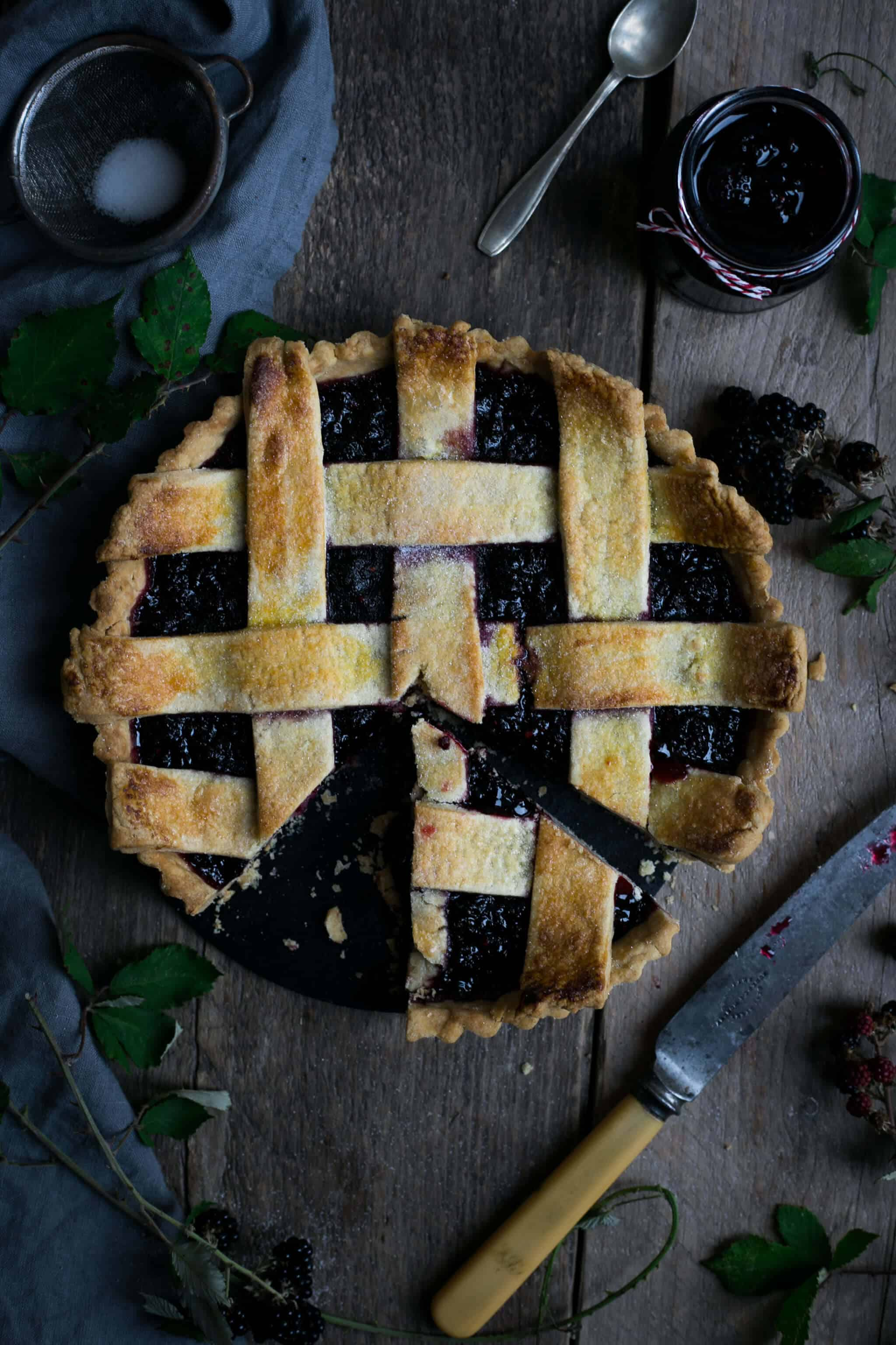 Blackberry jam lattice tart | via @annabanana.co