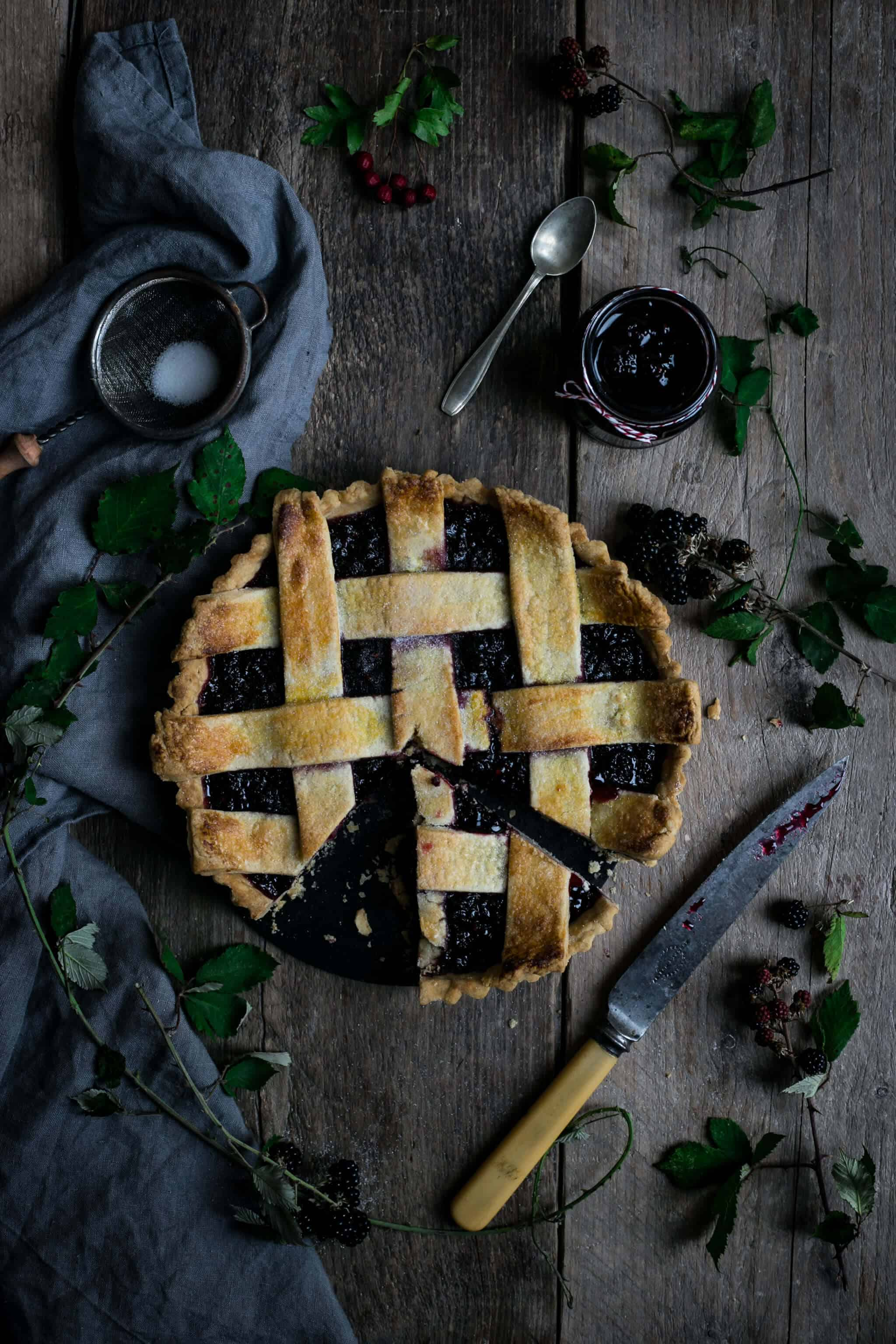 Beautiful blackberry jam and lattice tart | via @annabanana.co