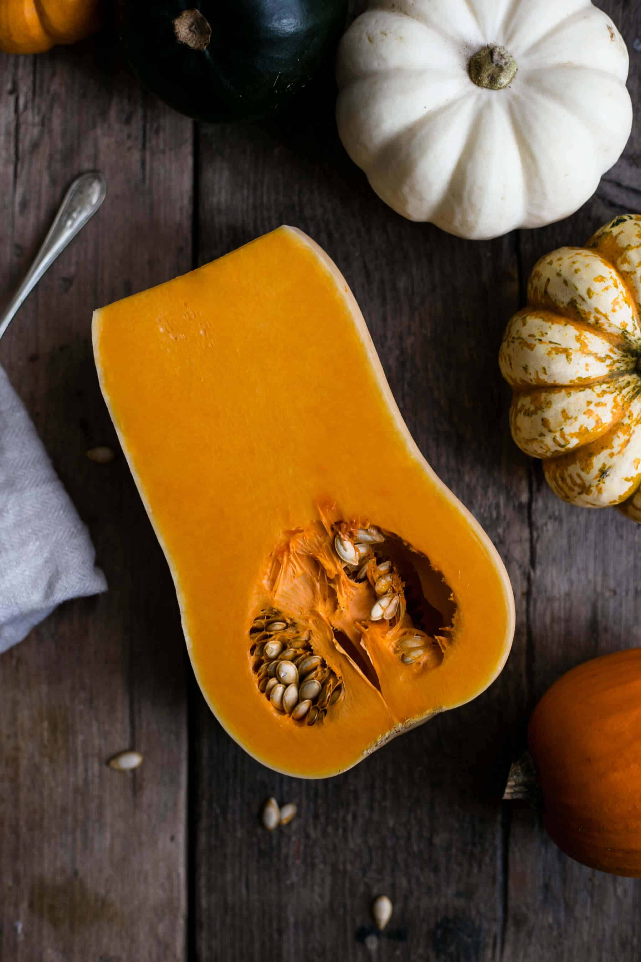 Delicious and easy to make #pumpkin scones with cheese! #vegan option   via @annabanana.co
