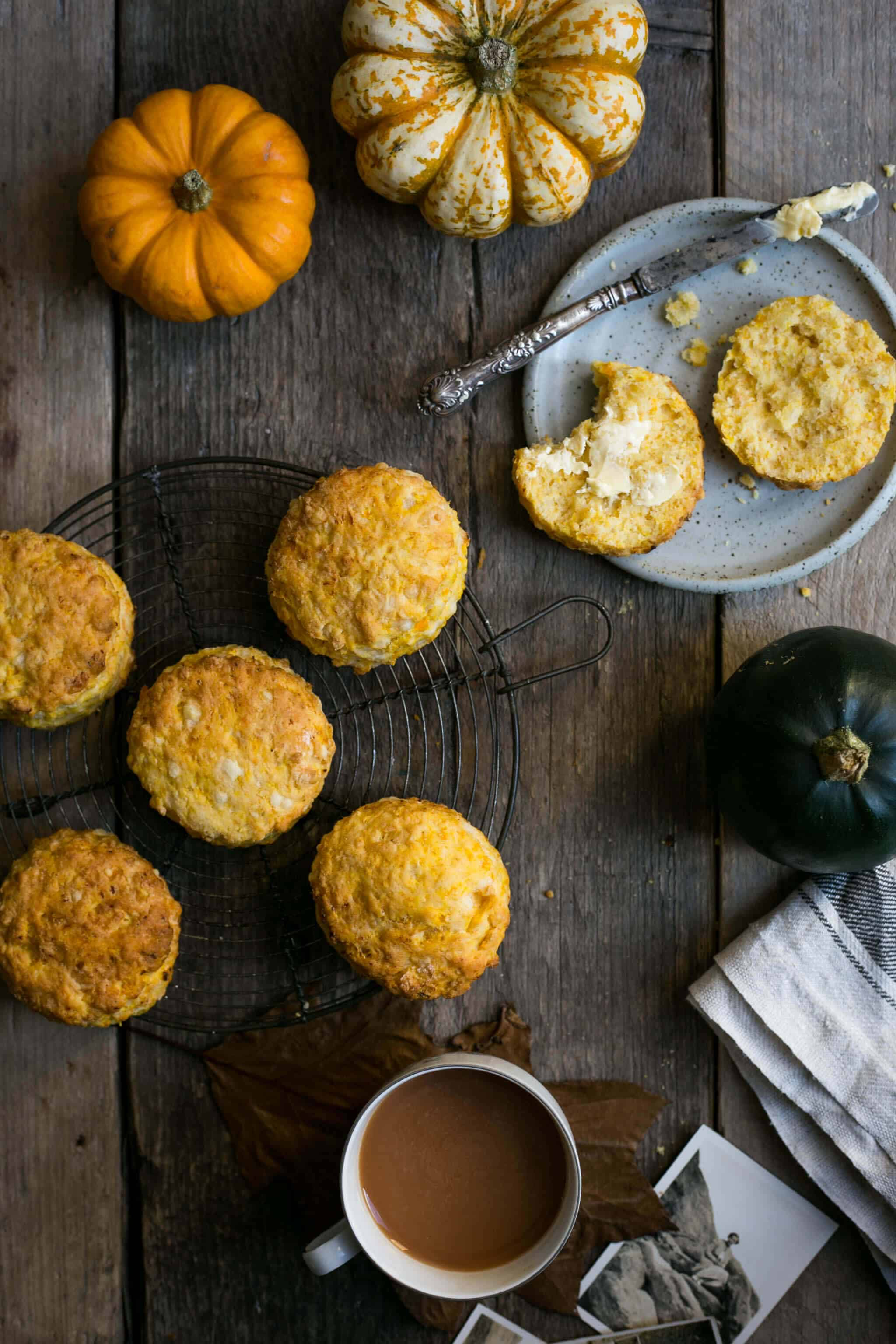 Pumpkin Scones with cheese. Traditional classic with a modern twist! Vegan option! #pumpkin #scones   via @annabanana.co