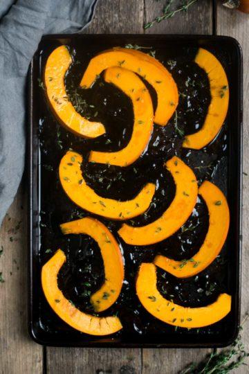 Roasted Pumpkin and walnut salad with figs #vegan #pumpkin #vegetarian | via @annabanana.co