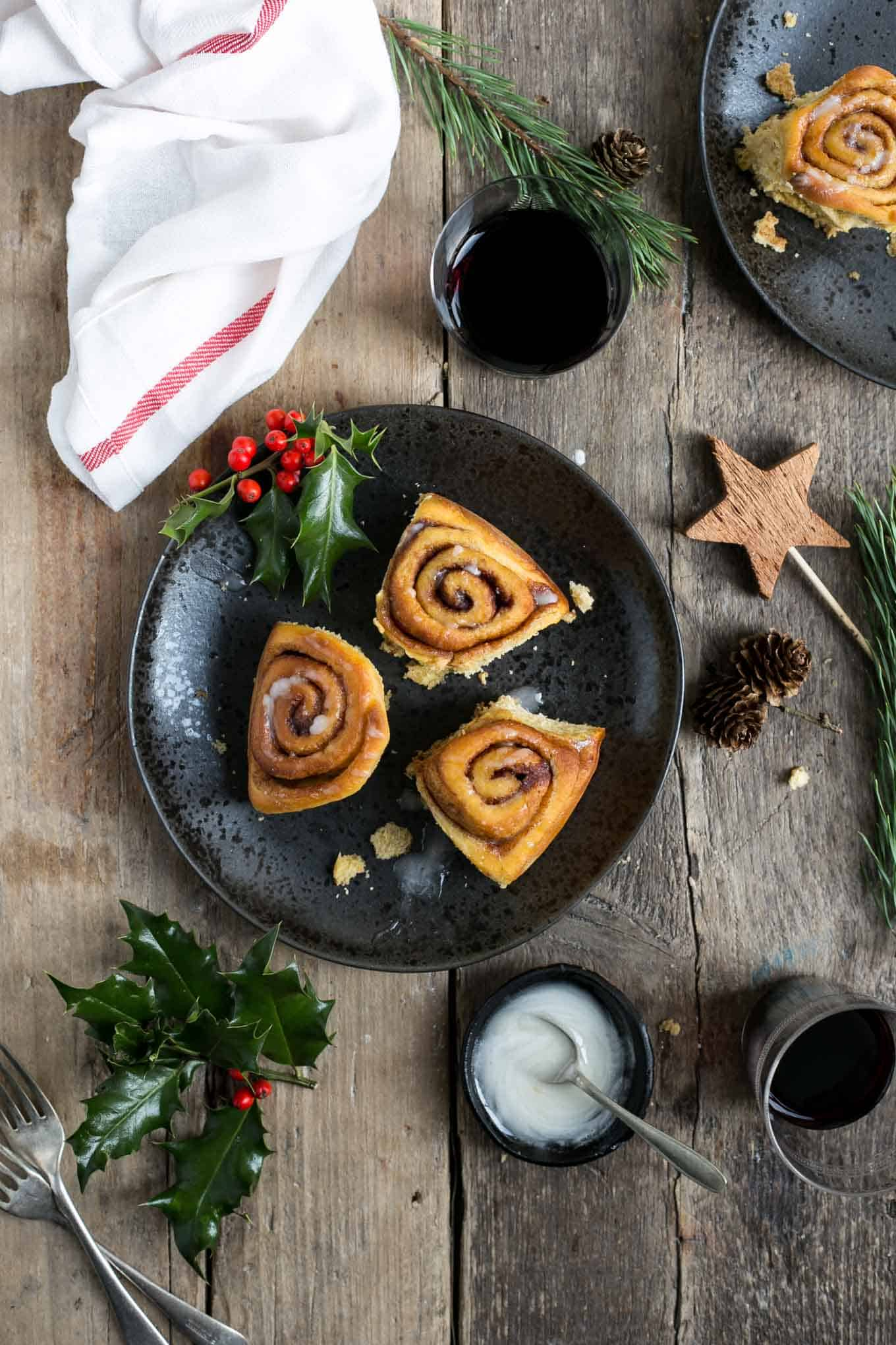 Sweet potato cinnamon rolls. These are soft, fluffy and easy to make! #vegan #cinnamonrolls #dairyfree | via @annabanana.co
