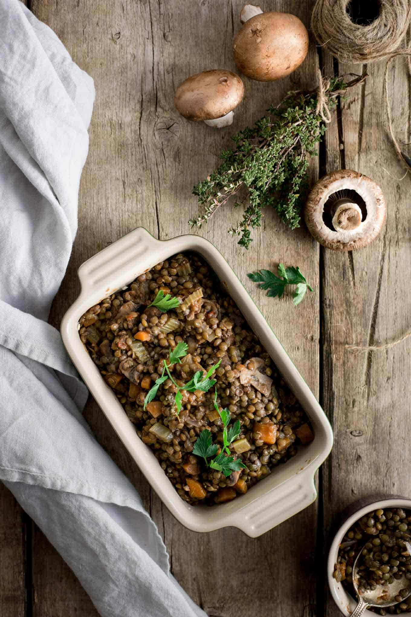 #Vegan lentil shepherd's pie. The all-time favourite for the whole family! #veggiepie #shepherdspie | via @annabanana.co