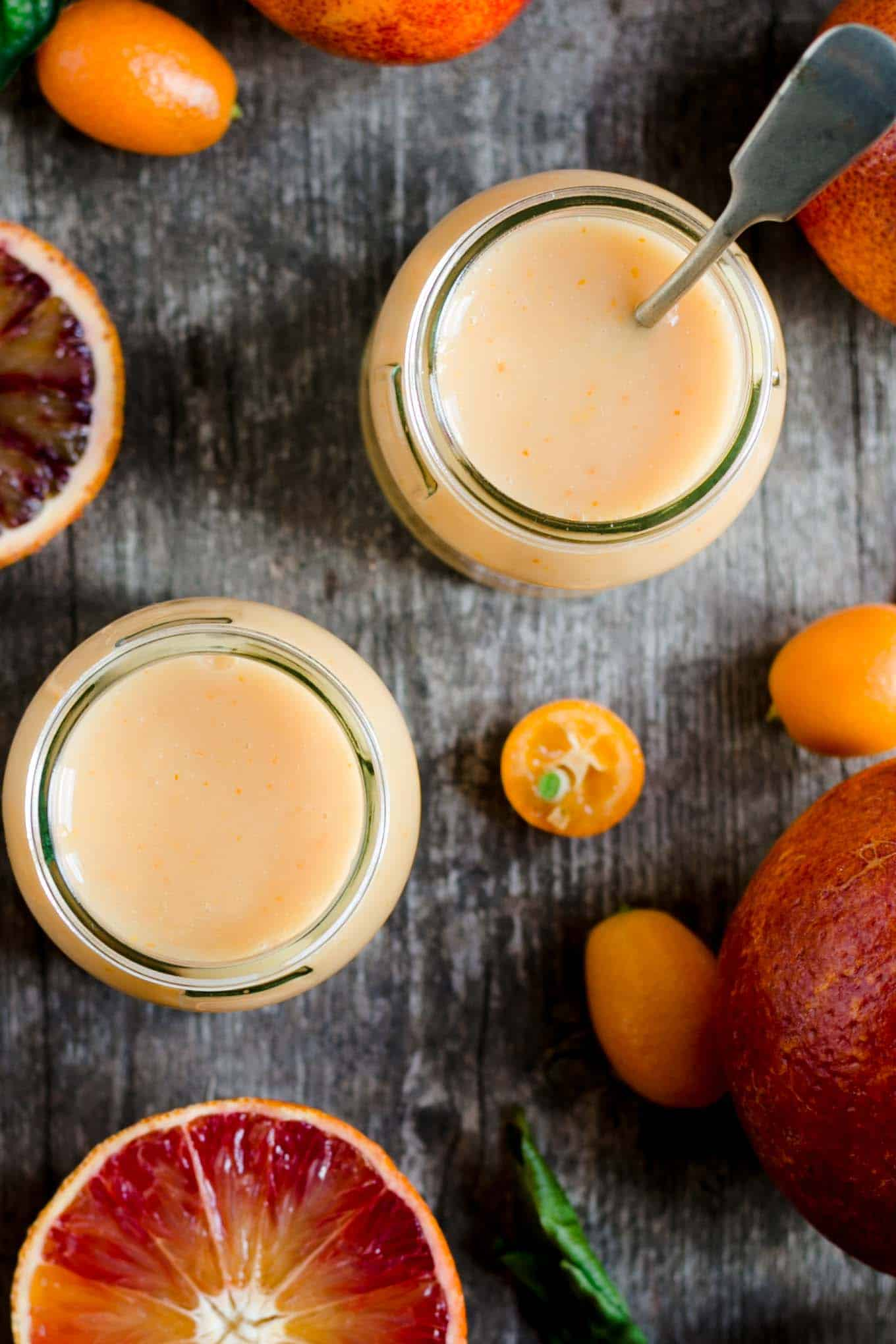 Vegan blood orange curd! Super simple recipe #vegan #dairyfree #curd | via @annabanana.co