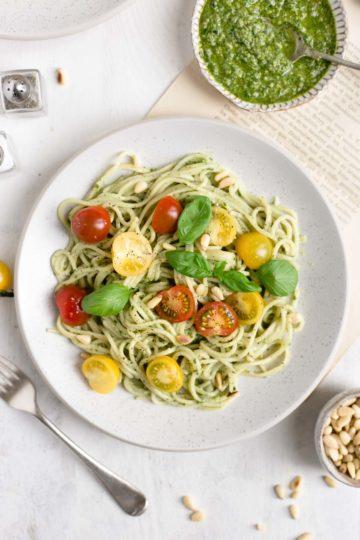 Pesto Pasta with Cherry Tomatoes #veganrecipe #dairyfree #healthyrecipe | via @annabanana.co