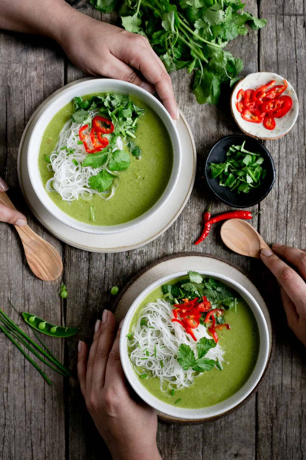 Incredibly aromatic, Thai style pea and apple soup with rice noodles #vegan #dairyfree #vegetarian | via @annabanana.co