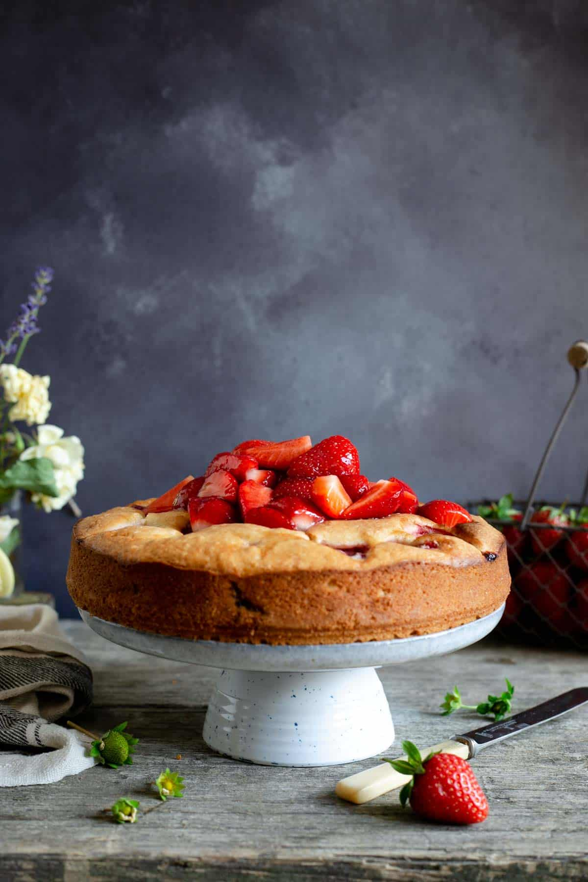 Light and moist fresh strawberry cake