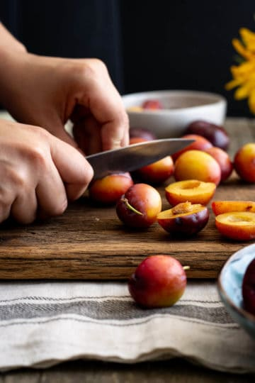 Cutting plums for plum pie