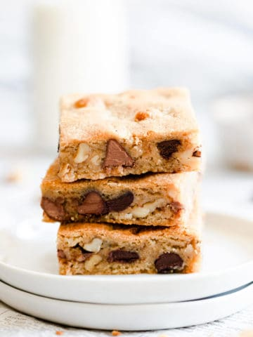 super close up side angle of blondie slices on top of each other