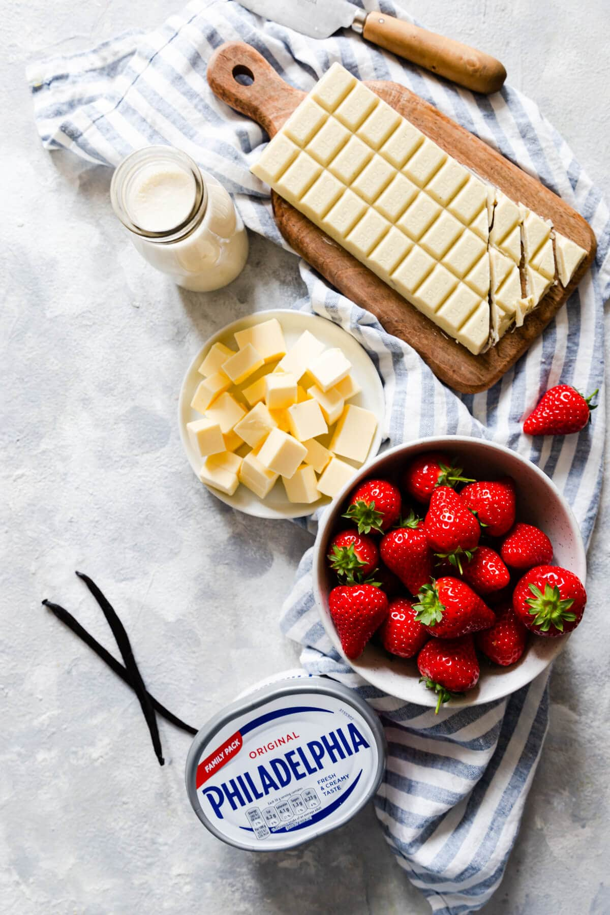 top view of he ingredients for the strawberry white chocolate cheesecake